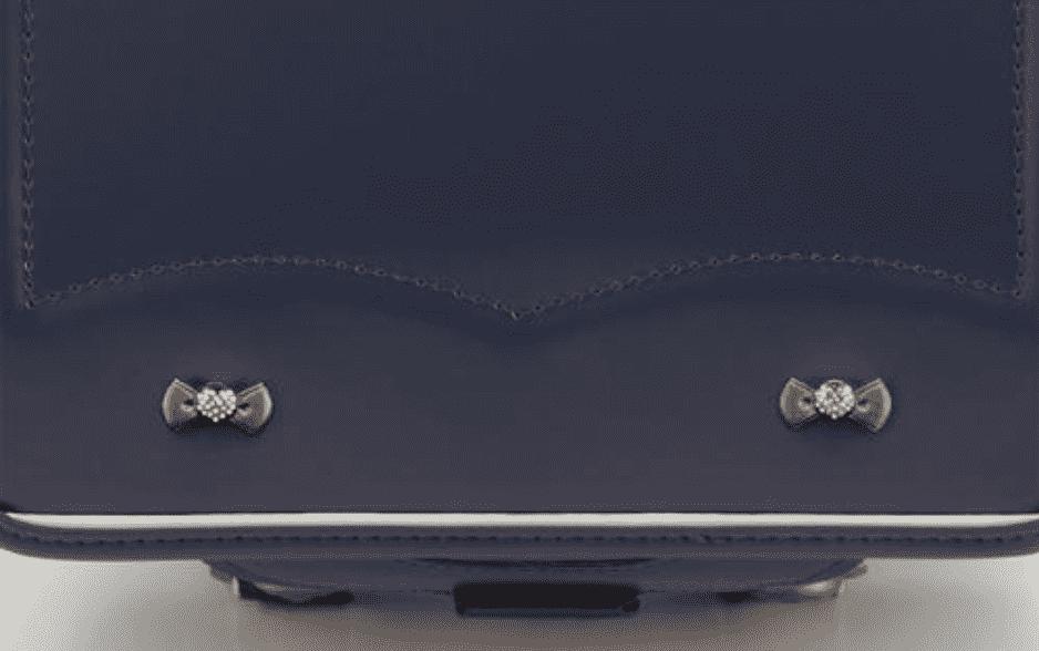 ランドセル リボンデザインの鋲の画像